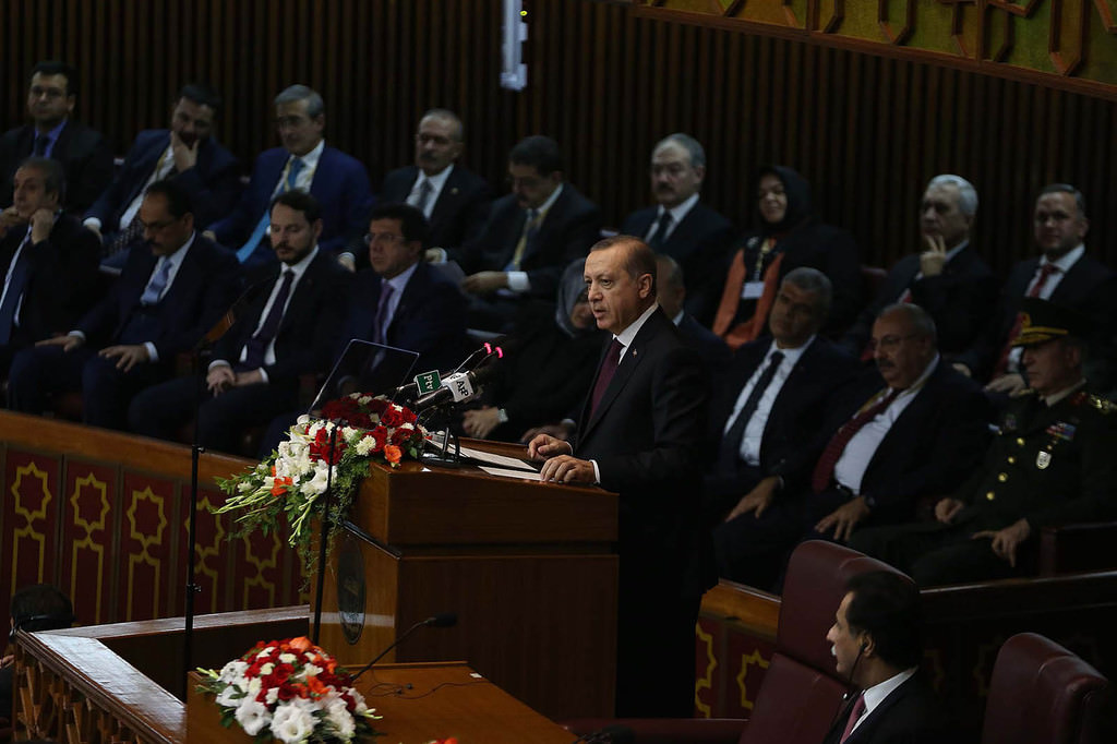 President Erdou011fan addresses a joint session of both houses of Pakistan's Parliament in capital Islamabad (AA Photo)