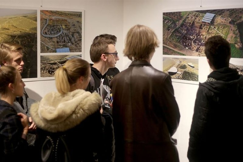The exhibition met art lovers in various places including Croatia. (AA Photo)