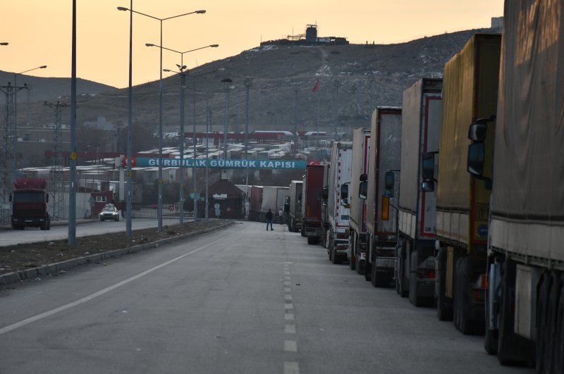 Trucks wait at Gürbulak border crossing with Iran, Ağrı, Feb. 24, 2020. (AA Photo)