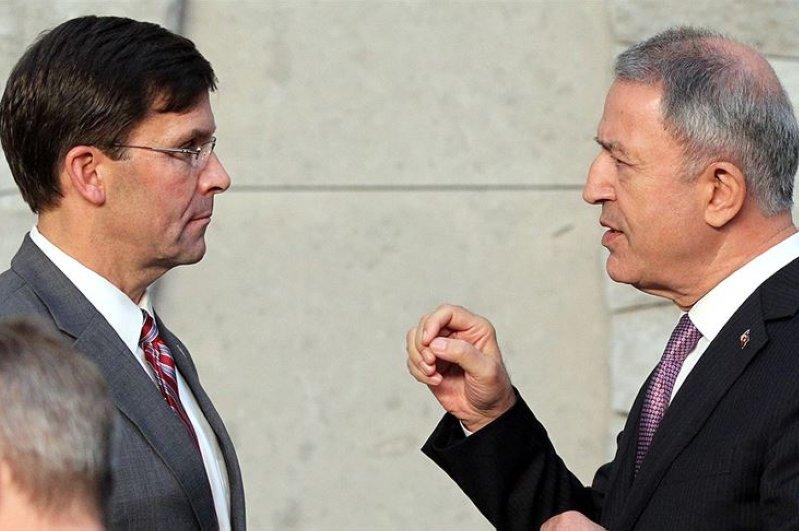 U.S. Secretary of Defense Mark Esper (L) and Minister of National Defense Hulusi Akar.