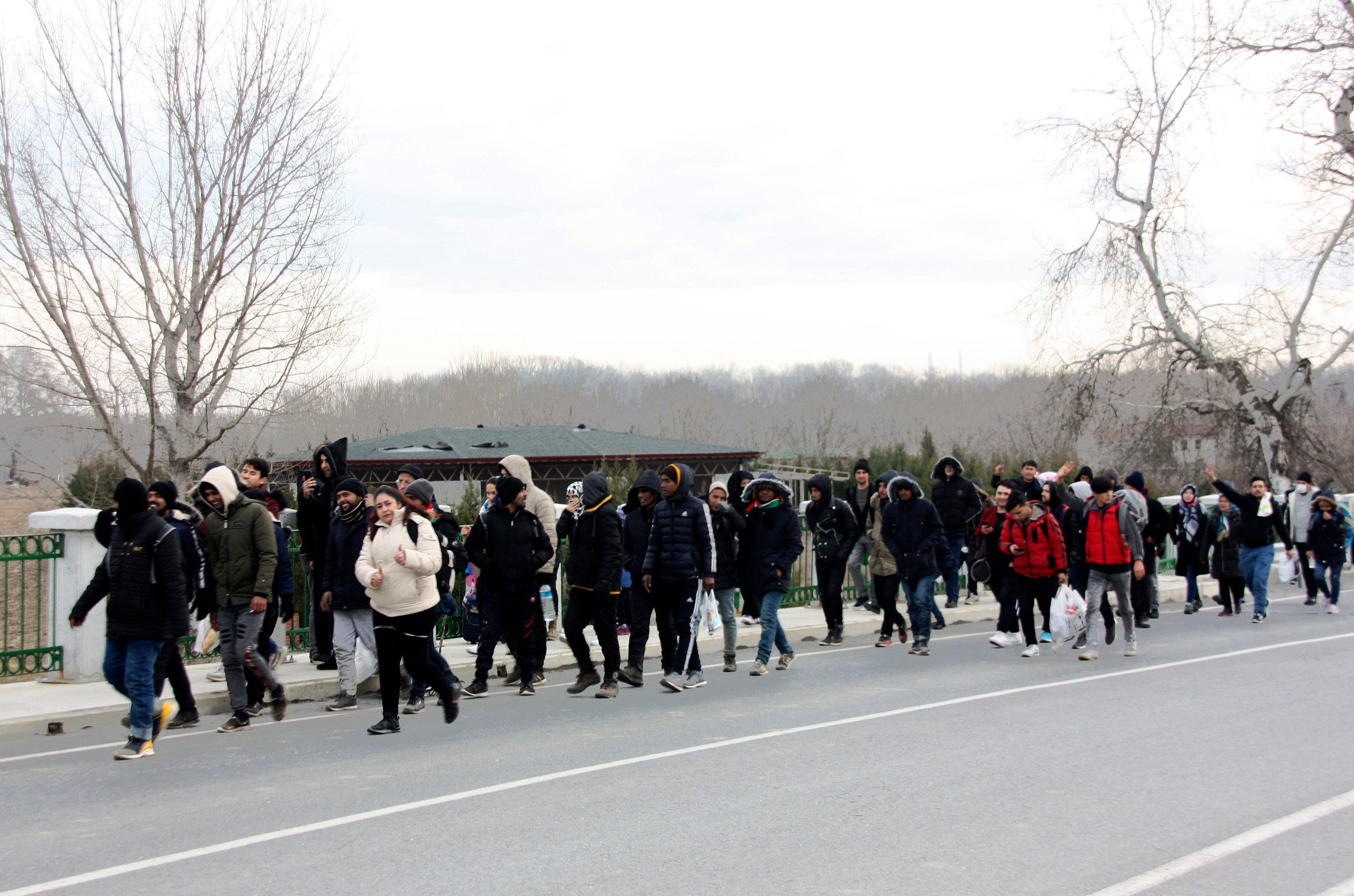 Imagini pentru greece bulgaria turkey refugees