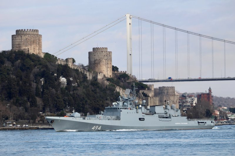 The Russian Navy's frigate Admiral Grigorovich sets sail in the Bosporus, on its way to the Mediterranean Sea, in Istanbul, Turkey, Feb. 28, 2020. (Reuters Photo)