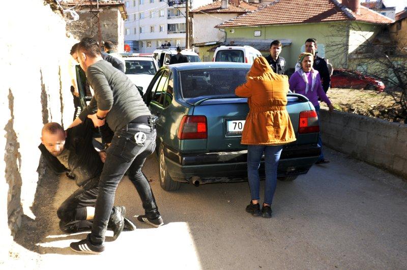 Police detain three suspected drug dealers, Karaman, Feb. 27, 2020. (DHA Photo)