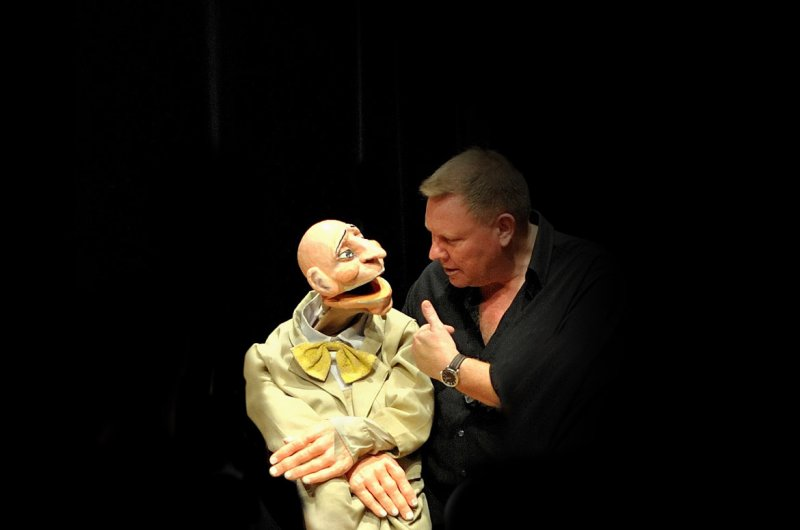 Fifty theaters will perform shows with their puppets at the 14th International Puppet Day in İzmir. (AA Photo)