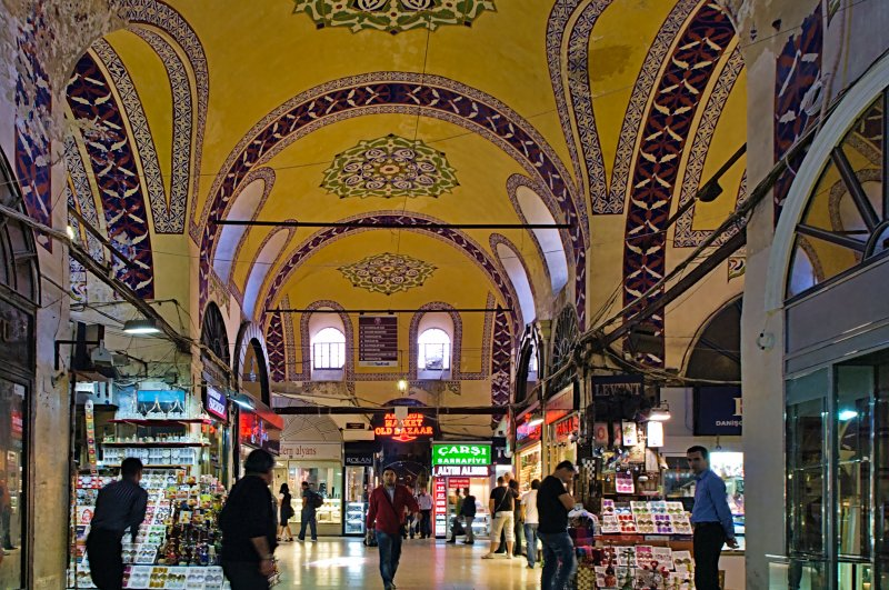 People shopping in the Grand Bazar covered market in Istanbul, Turkey, May 24, 2010. (iStock Photo)