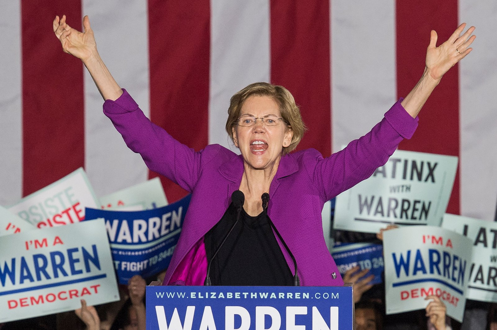 Democratic White House hopeful Massachusetts Senator Elizabeth Warren speaks to her supporters during a campaign rally on the eve of the California Democratic Primary in Monterey Park, east of Los Angeles, C.A., March 2, 2020. (AFP Photo)