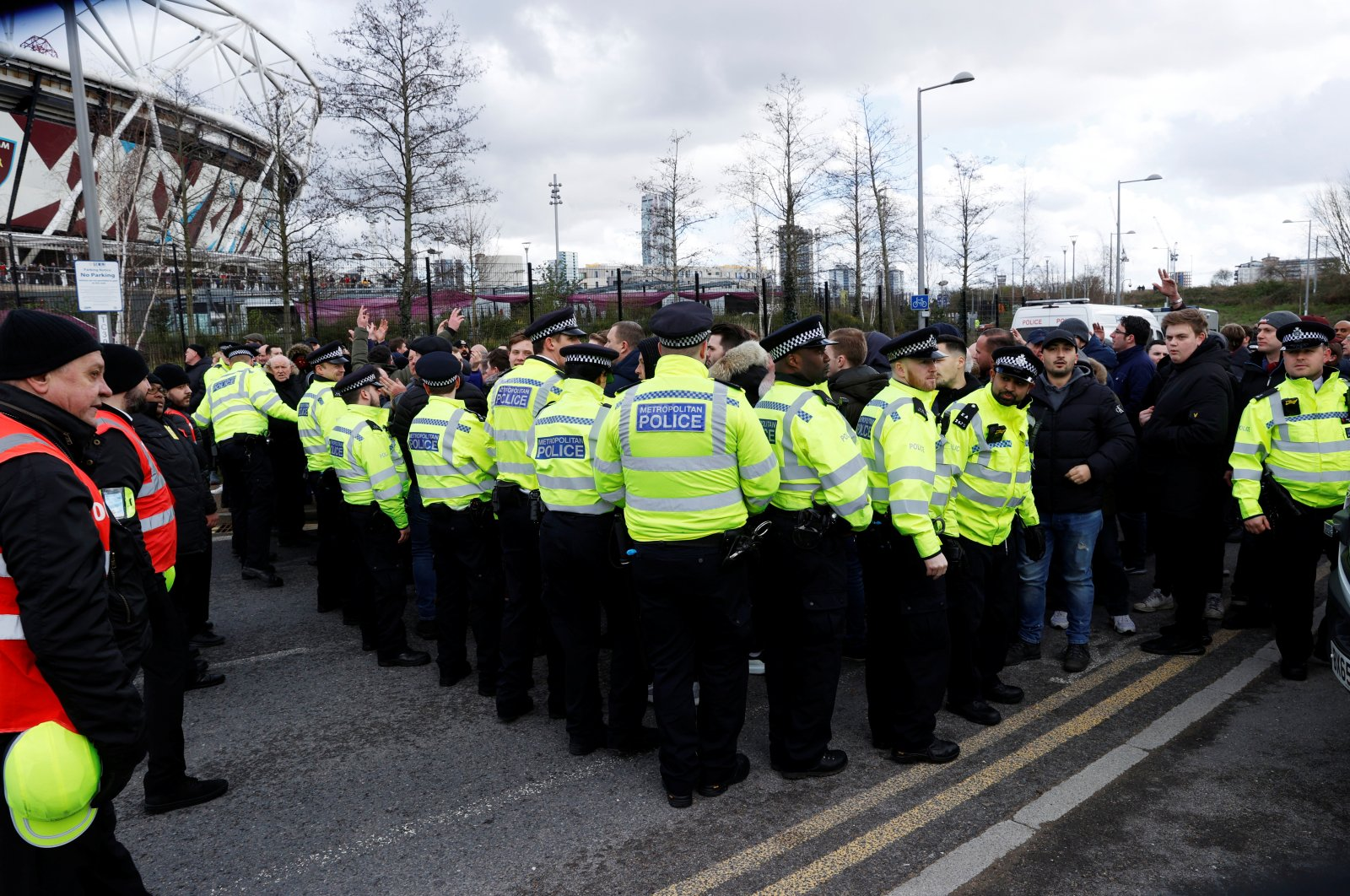 A general view of police officers outside the stadium, London, Feb. 29, 2020. (REUTERS Photo)