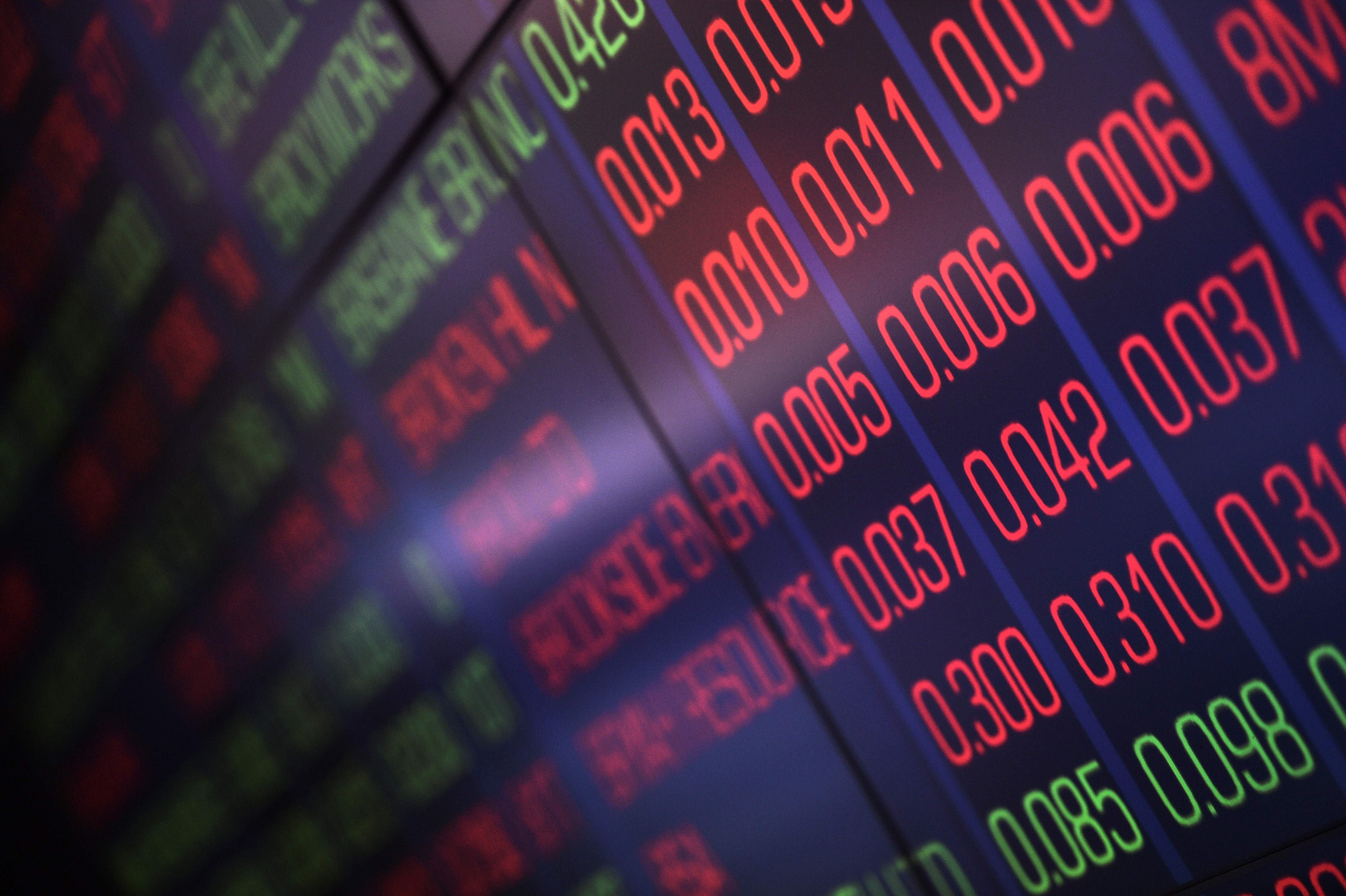 Global markets battered by oil plunge thumbnail
