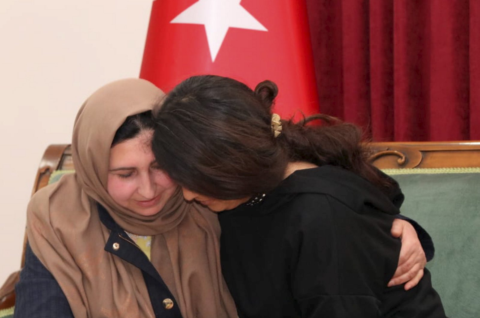 Tekoşin Acar, 27, surrendered thanks to the efforts of the security forces and met with her mother, Naime Dalmış, who she has not seen for six years, March 9, 2020.