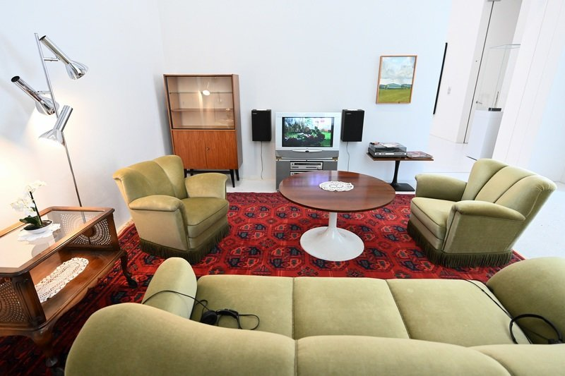 Ruangrupa created a living room in the 1950s and 1960s style for the
