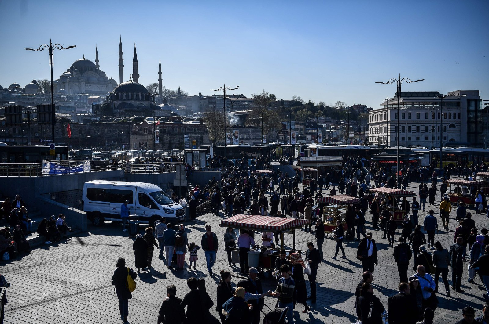 People walk in Istanbul's Eminönü neighborhood, April 3, 2018. (AFP Photo)