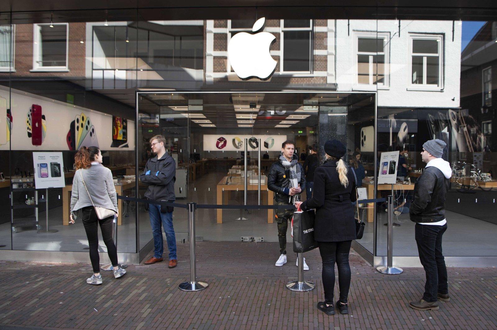 Apple Store in Grote Houtstraat in Haarlem, Netherlands, March 14, 2020. (EPA Photo)
