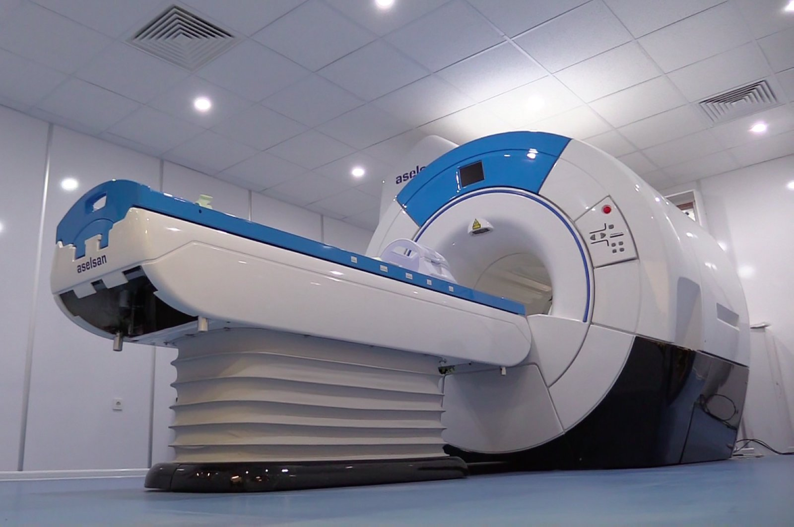 ASELSAN is carrying out projects to locally develop Mobile Digital X-Ray Devices and Magnetic Resonance Imaging Systems. (AA Photo)