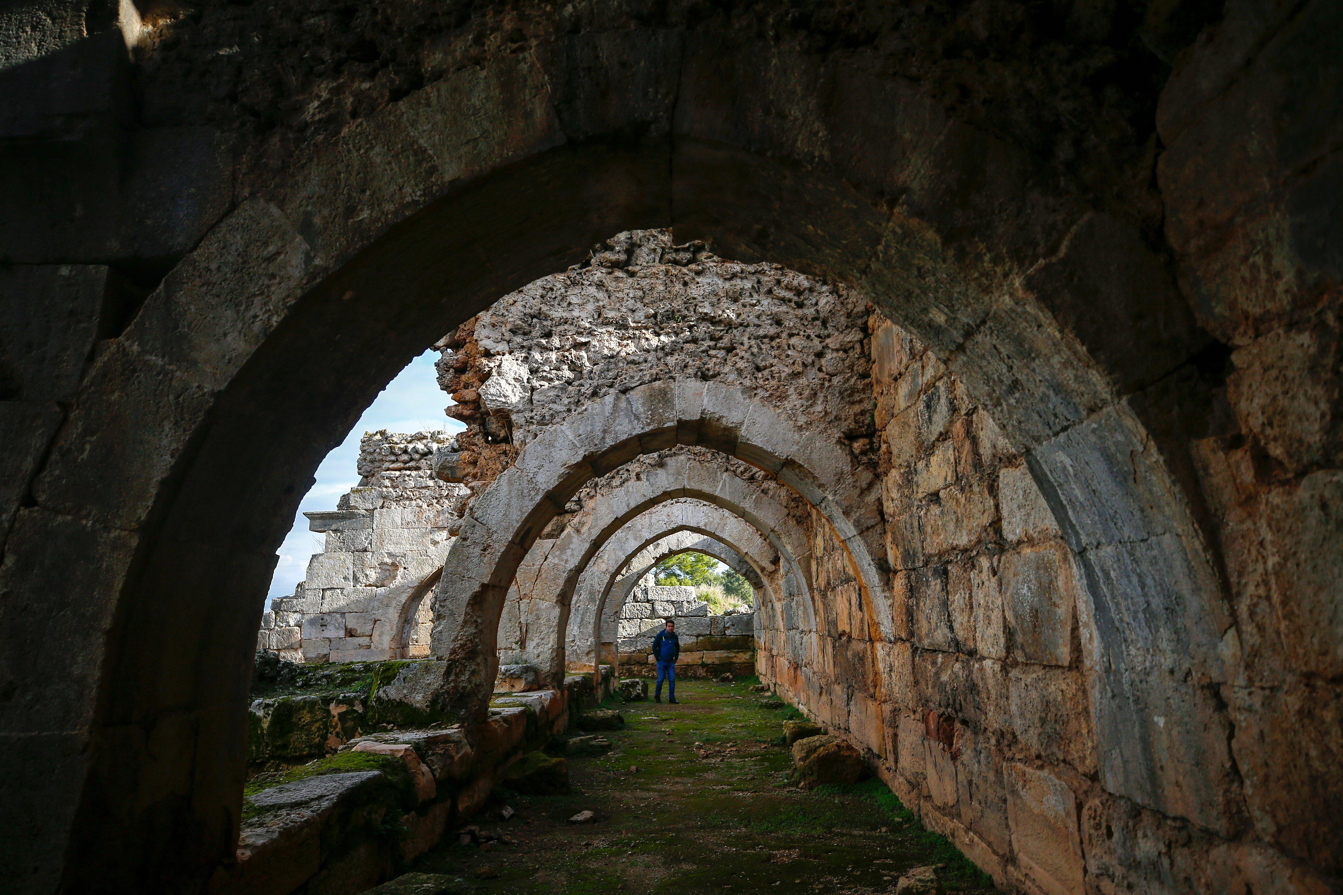 Arches in historical Evdirhan Inn. (AA Photo)