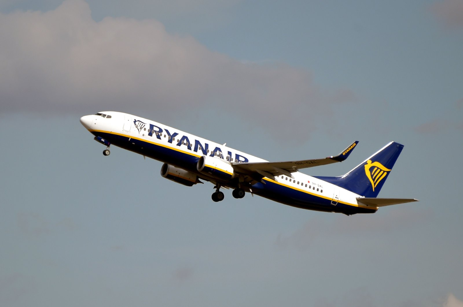 This file photo shows a Boeing 737 NG / Max belonging to Irish budget airline Ryanair after taking off from the Toulouse-Blagnac airport near Toulouse. (AFP Photo)