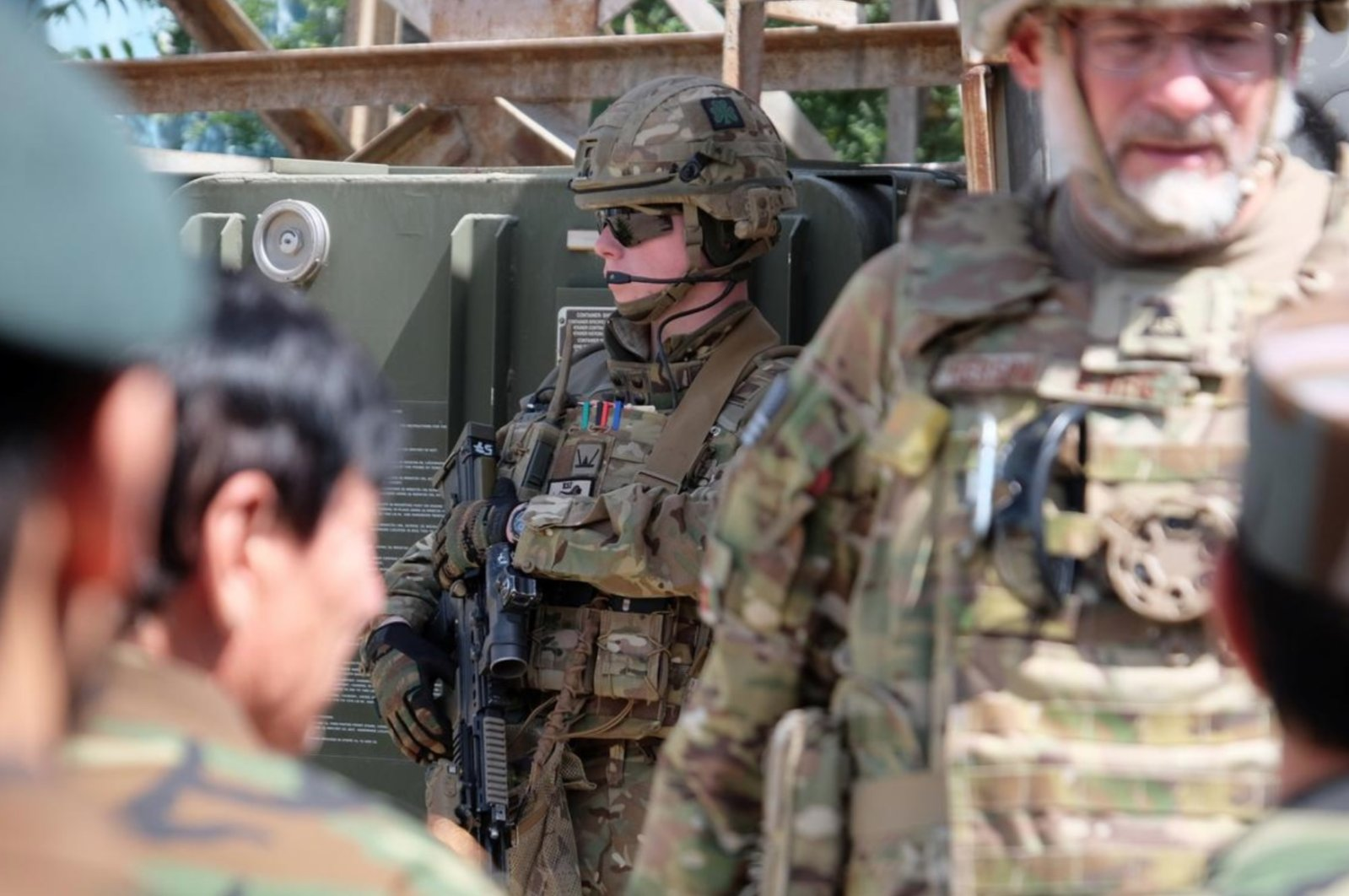 A soldier with the British army's Royal Irish Regiment provides security for a meeting between international military advisers and Afghan officials at a base in Kabul, Afghanistan July 12, 2017. (Reuters Photo)