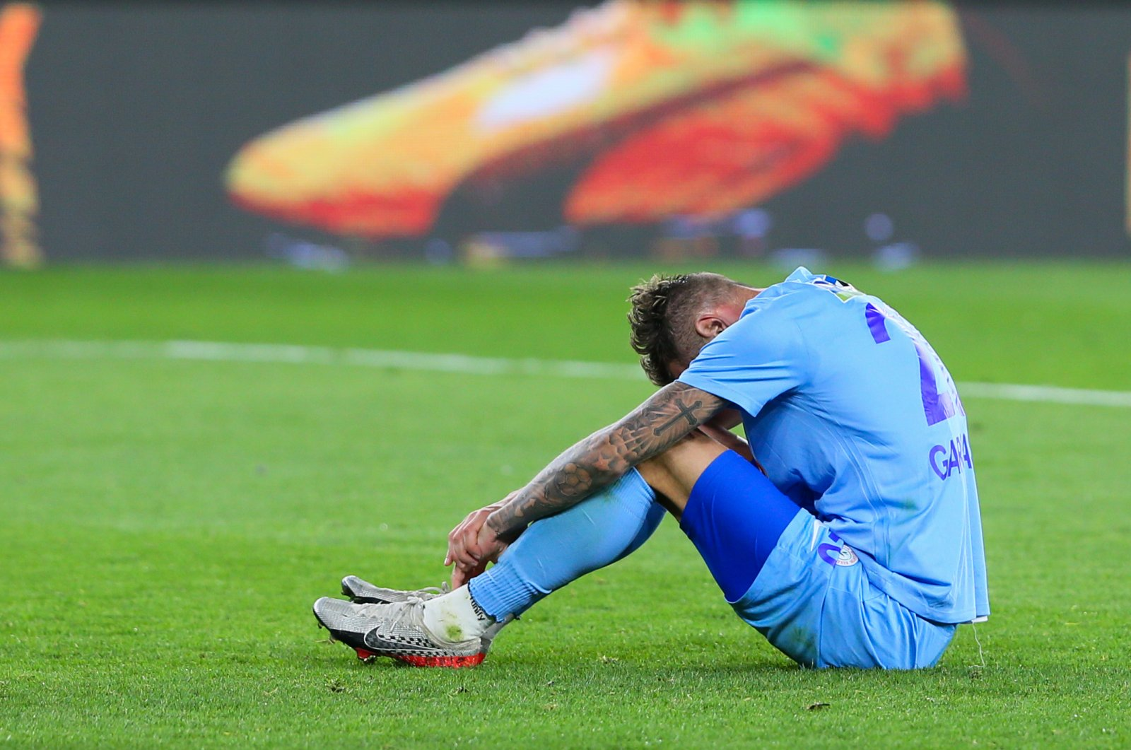 Rizespor's Garmash reacts after missing a shot during a Süper Lig match against Göztepe in İzmir, Tuesday, March 17, 2020. (AA Photo)