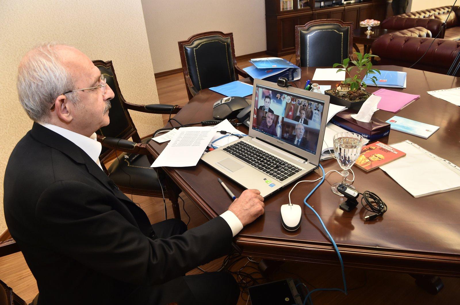 CHP Chairman Kemal Kılıçdaroğlu speaks with mayors in a teleconference meeting on the coronavirus on Saturday, March 21, 2020 (AA Photo)