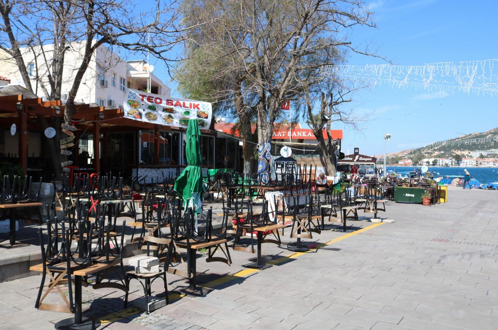 İzmir's touristic Foça district on March 18. Most public places remain empty due to fears of the COVID-19 epidemic.