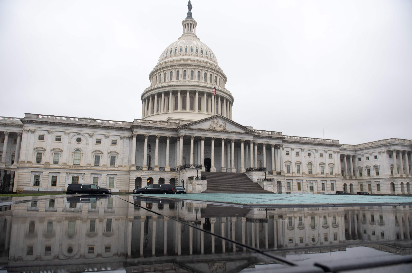 U.S. Capitol seen as the Senate continues negotiations on a relief package in response to the outbreak of COVID-19, in Washington, March 23, 2020. (AFP Photo)