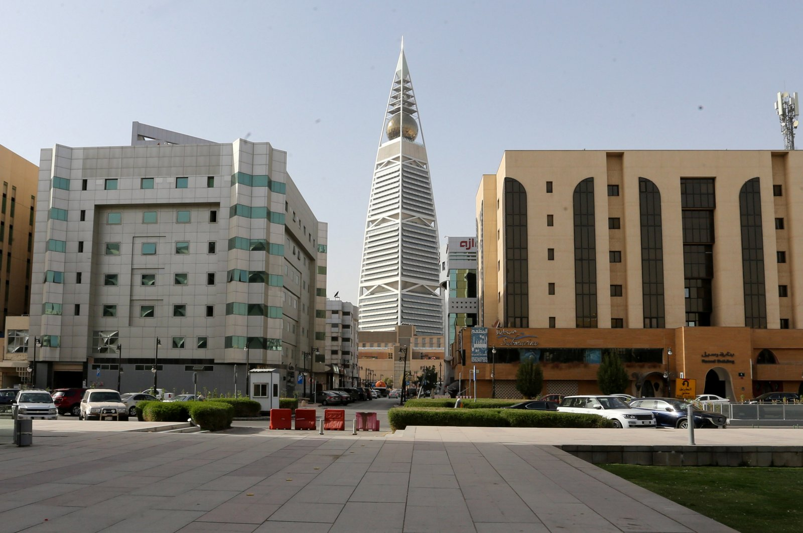 General view shows the empty garden of the King Fahd Library, Riyadh, March 19, 2020.  (REUTERS Photo)