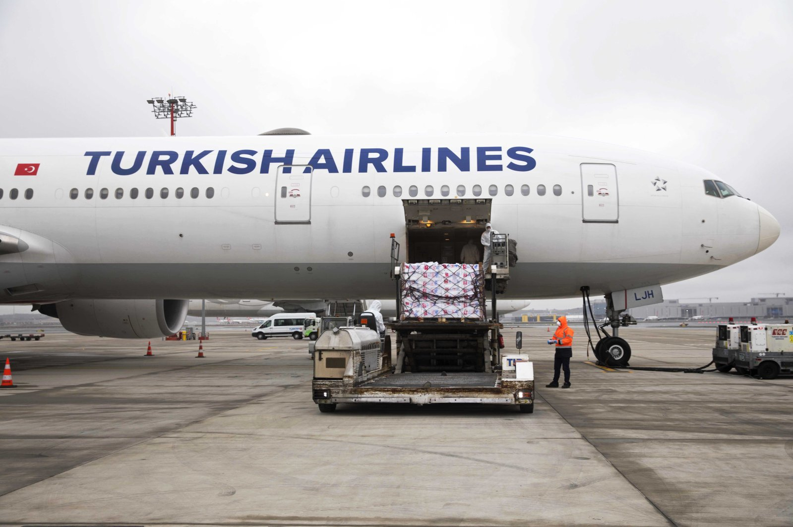Cargo is seen being loaded onto a Turkish Airlines aircraft, Wednesday, March 25, 2020. (AA Photo)