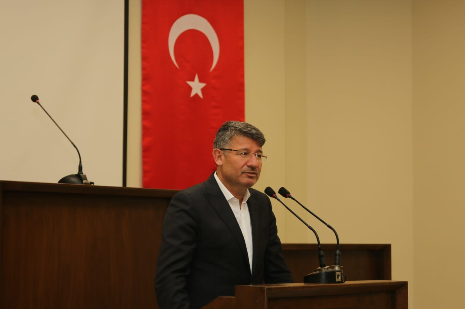 Former AK Party Adana Chairman Fikret Yeni speaks in this undated file photo. (İHA Photo)