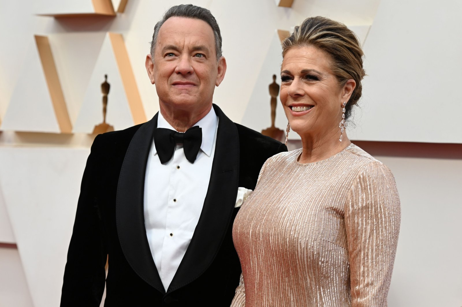 In this file photo taken on Feb. 9, 2020, U.S. actor Tom Hanks and wife Rita Wilson arrive for the 92nd Oscars at the Dolby Theatre in Hollywood, California. (AFP Photo)