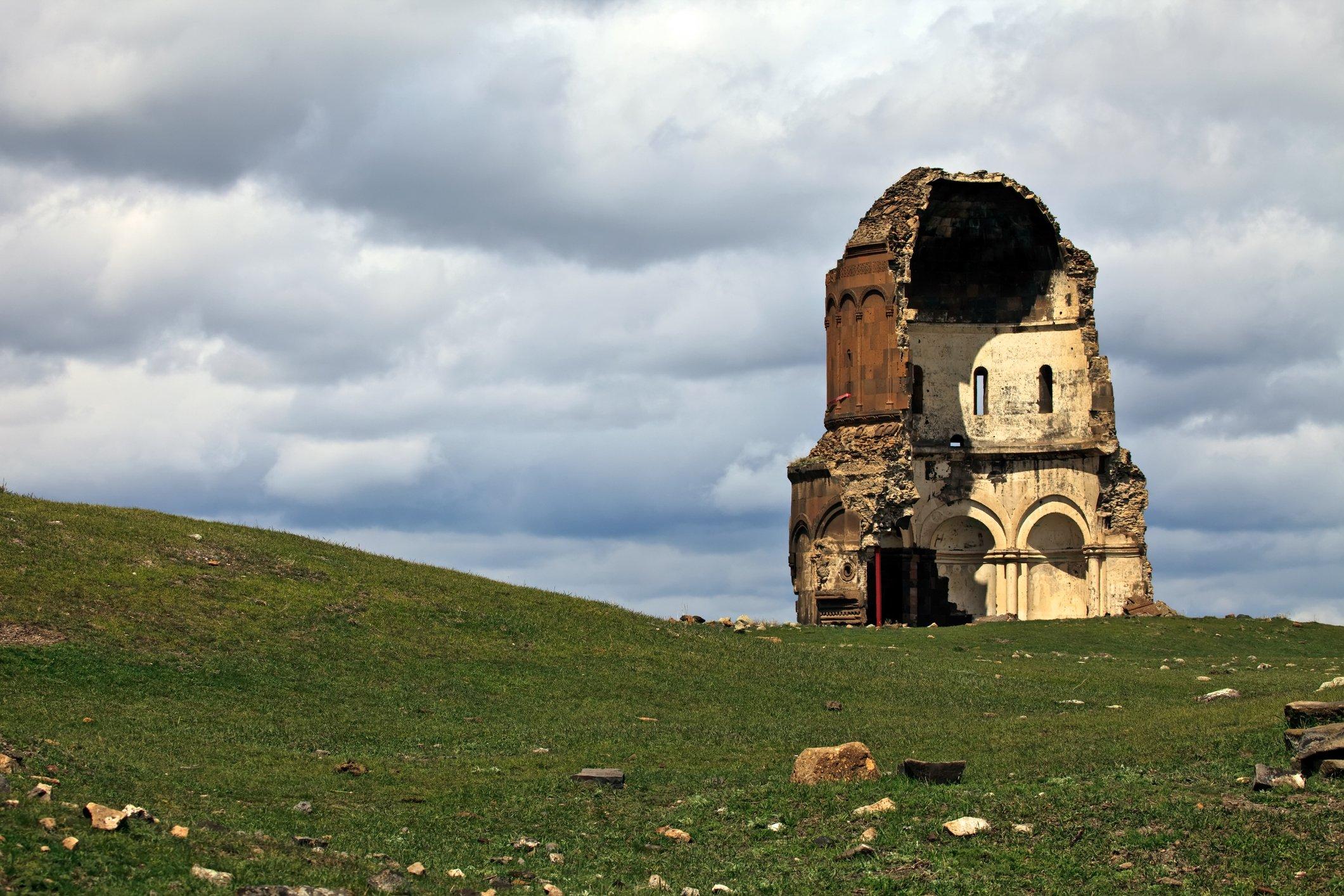亚美尼亚古都遗址目前位于土耳其,只能从卡尔斯镇进入。
