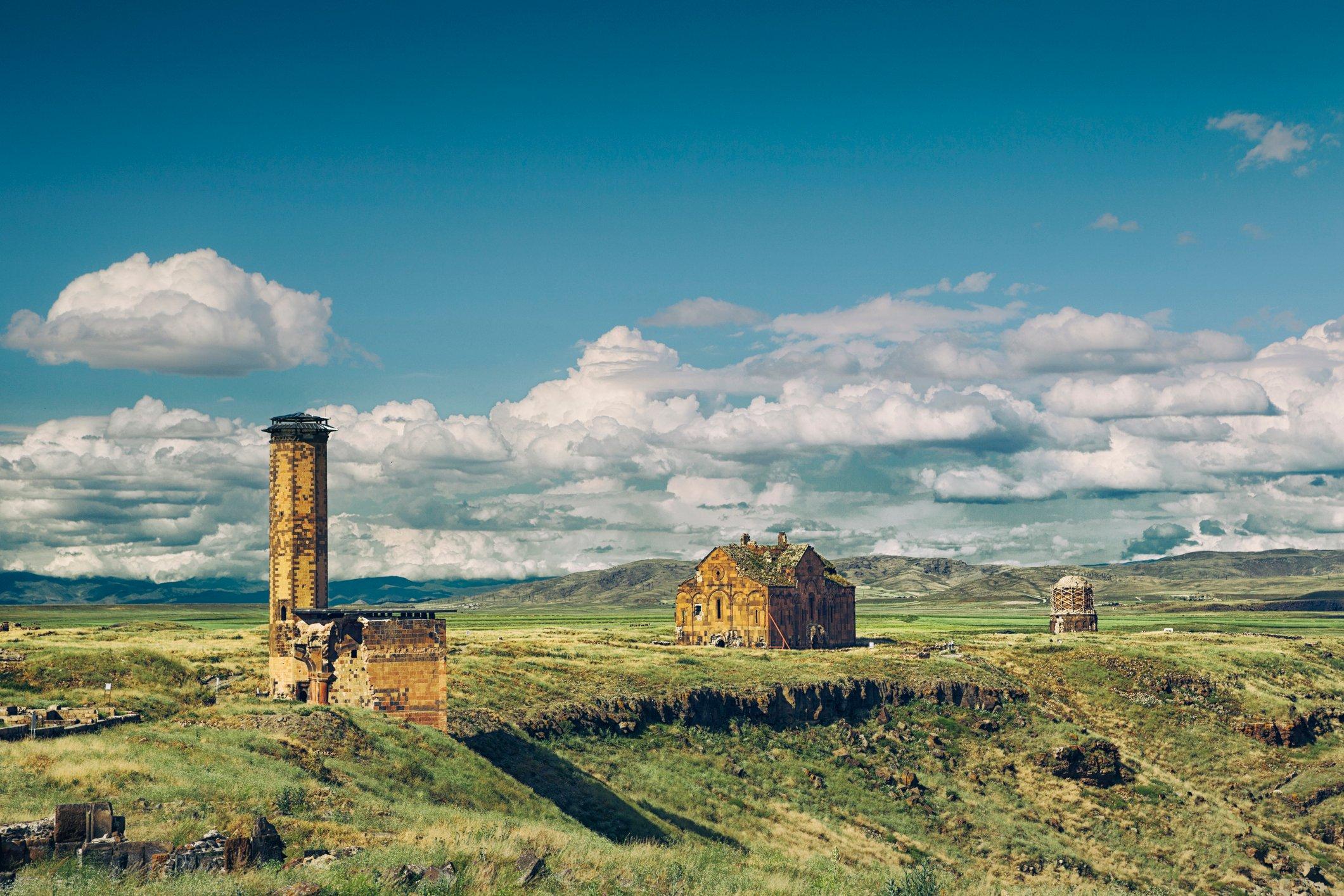 亚美尼亚编年史家,如叶吉什和加扎尔帕尔佩西,第一次提到阿尼在五世纪。(iStock照片)