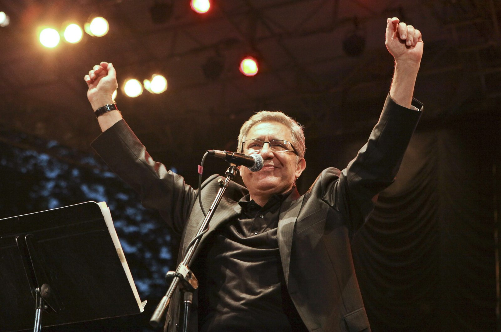 This undated photo shows Zülfü Livaneli performing at Central Park, New York, in 2011. (AA Photo)