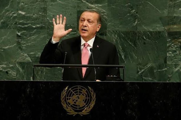 President Recep Tayyip Erdoğan saying that the world is bigger than five during the U.N. General Assembly in New York, Sept. 18, 2017 (AA Photo)