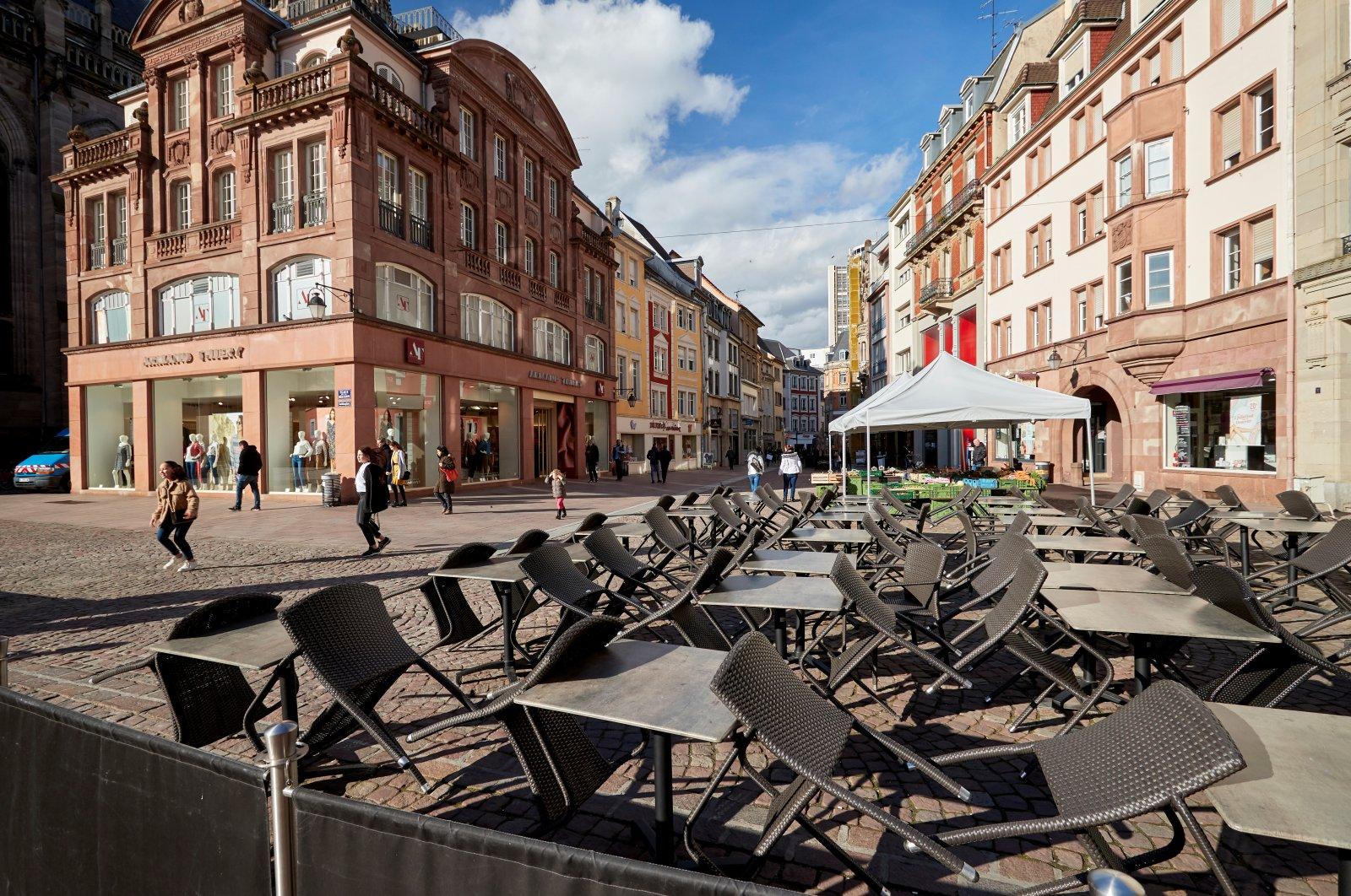 A closed terrace is pictured during the outbreak of the coronavirus disease (COVID-19) in Mulhouse, France March 12, 2020. (Reuters Photo)
