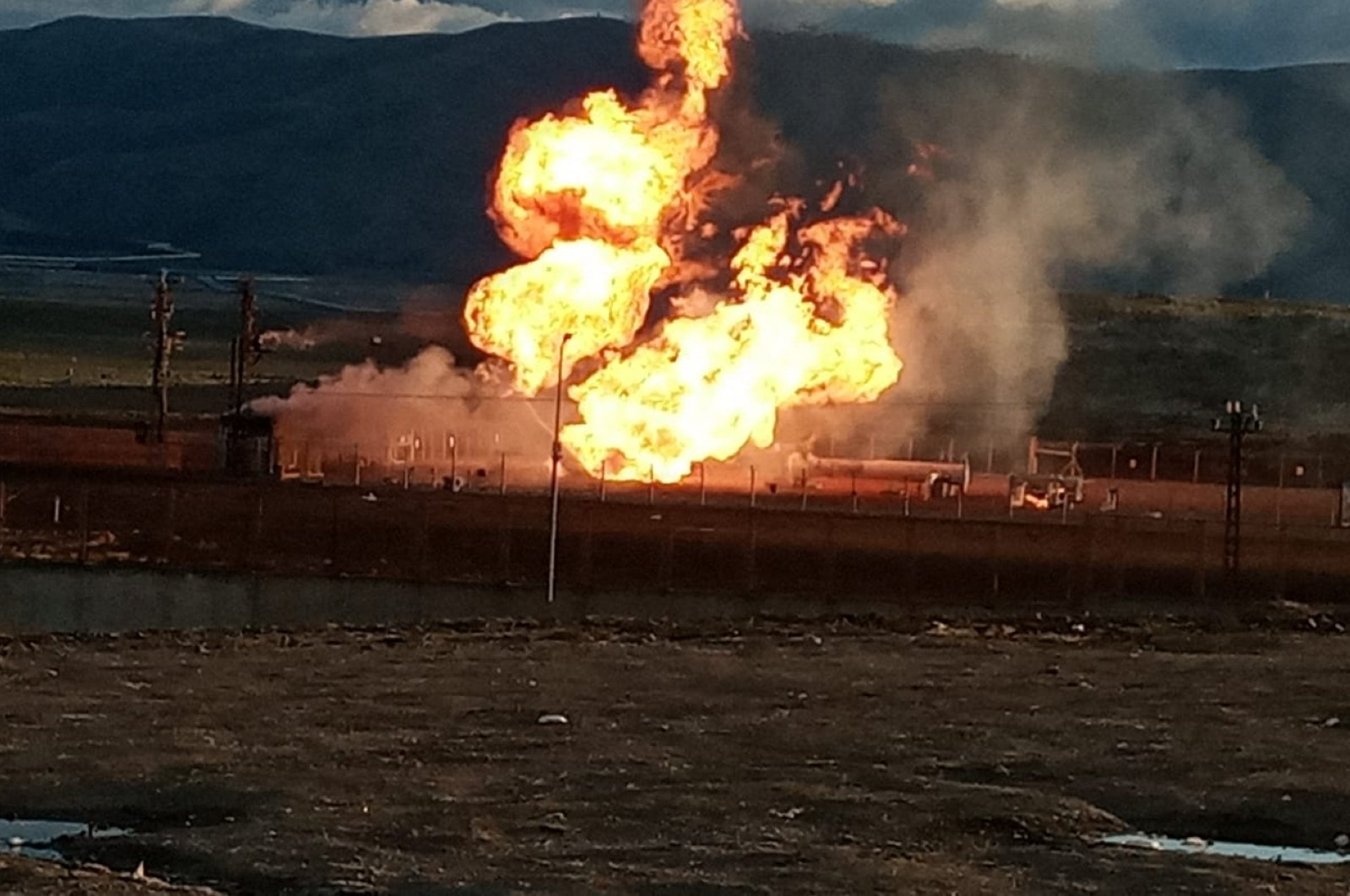 Flames engulf the pipeline in Ağrı, Turkey, Tuesday, March 31, 2020. (DHA Photo)