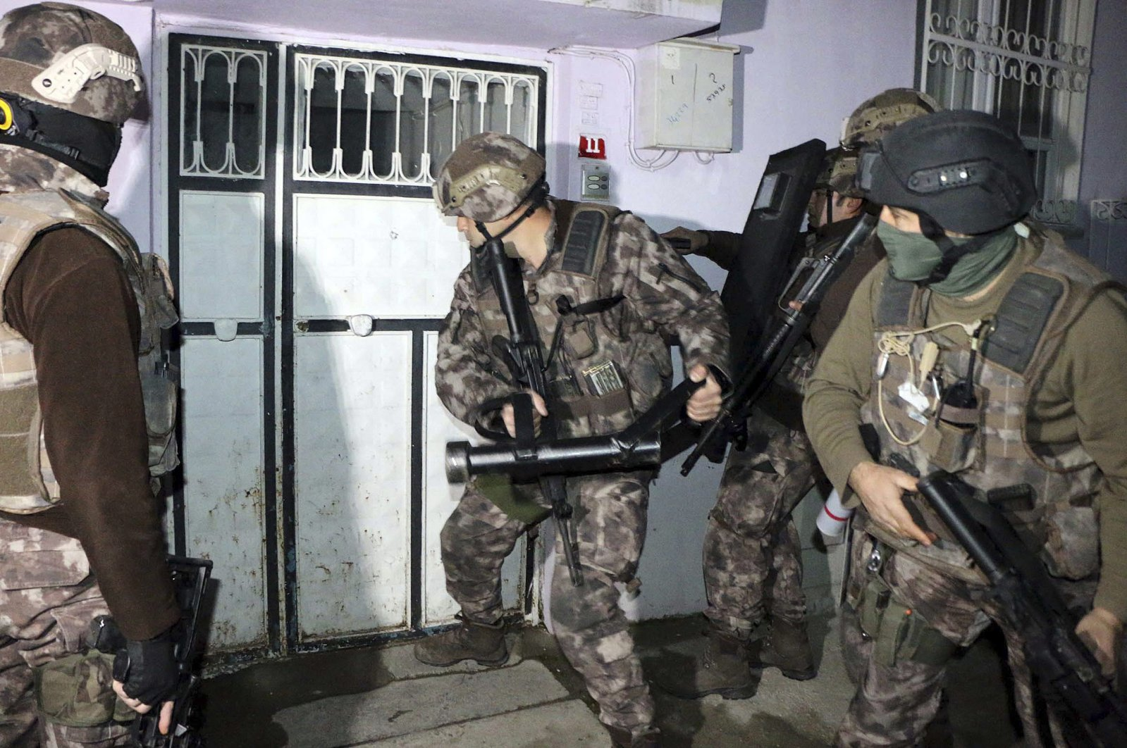 Turkish security forces have been carrying out extensive anti-terror operations at home and abroad to capture Daesh terrorists. (AP Photo)