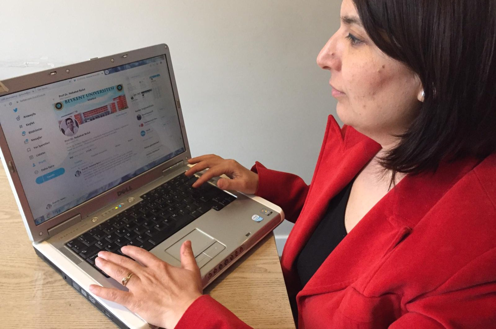 Anesthesiology and algology specialist professor Nebahat Bulut provides virtual consultations via social media, email or phones. (AA Photo)