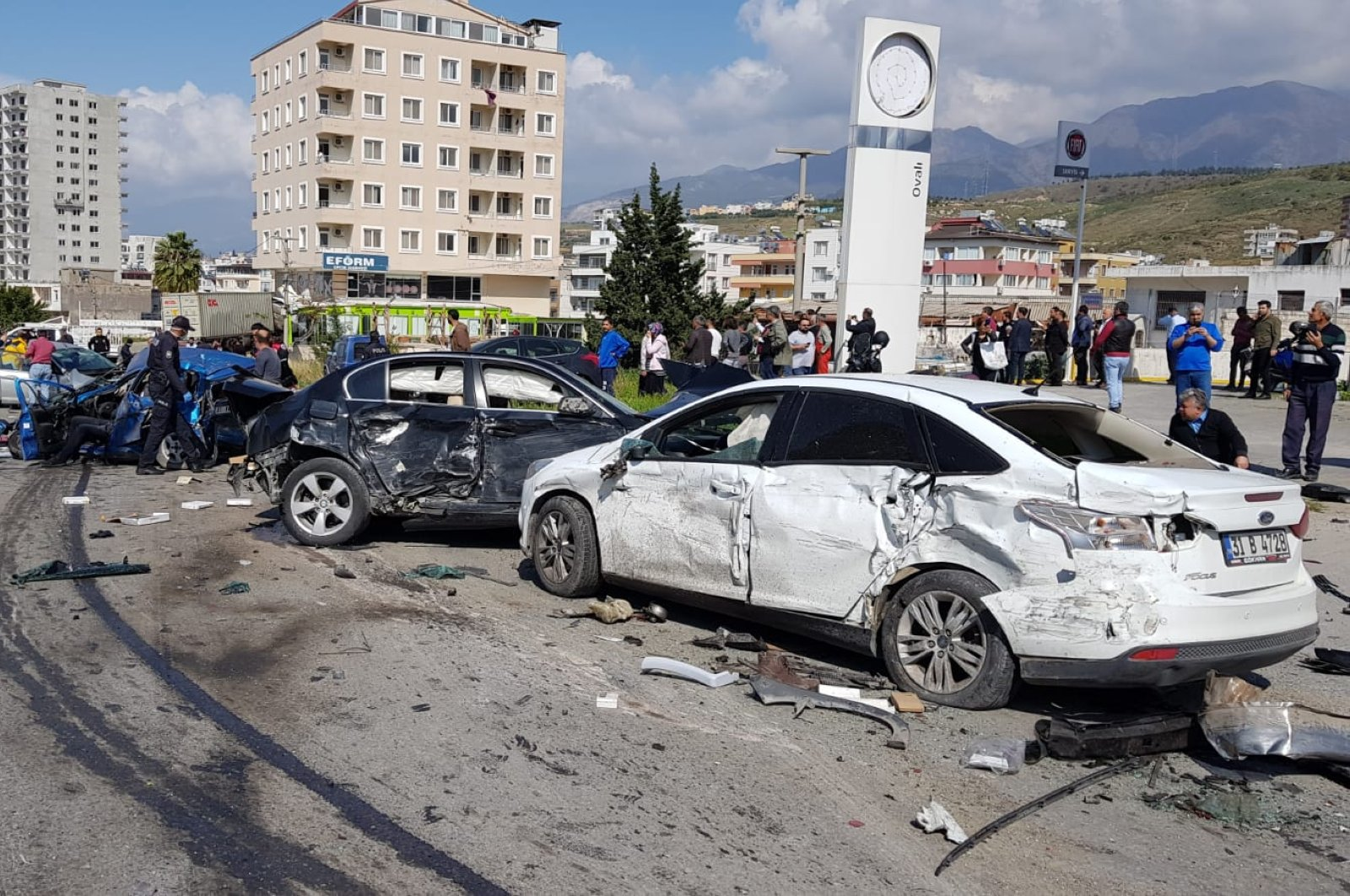 Wrecked cars at the scene in Hatay, Turkey, Thursday, April 2, 2020. (DHA Photo)