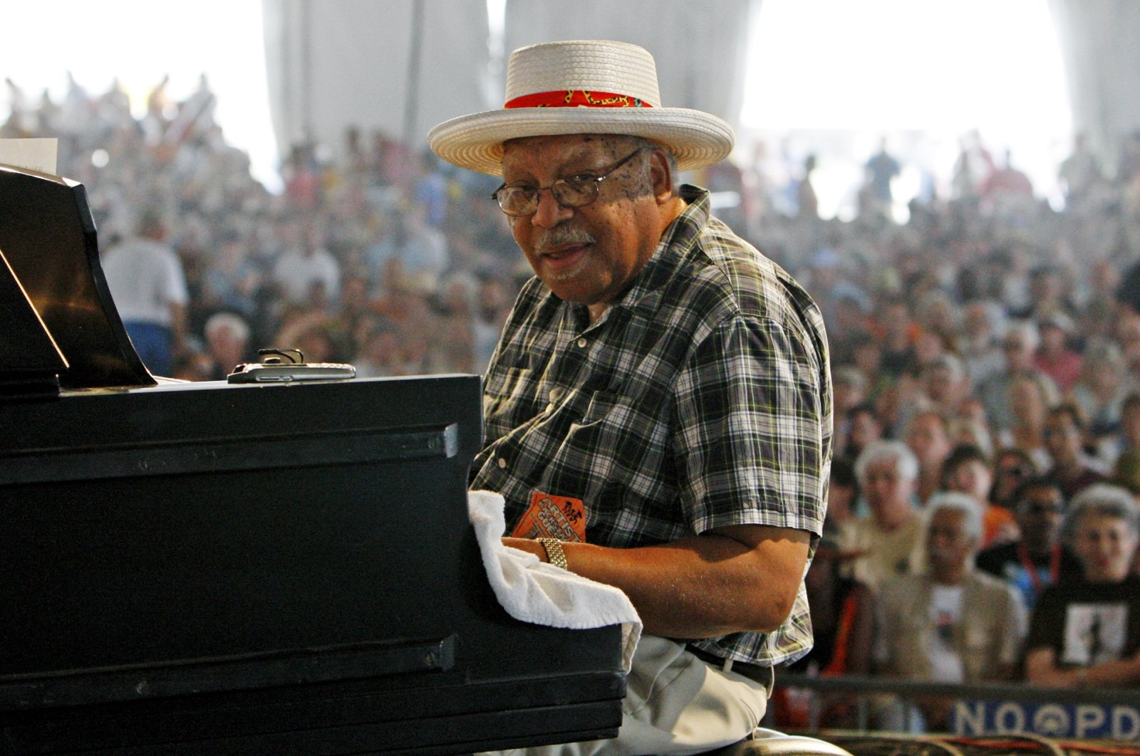 Recording artist Ellis Marsalis performs at the 2009 New Orleans Jazz and Heritage Festival in New Orleans Sunday, May 3, 2009.  (AP Photo)