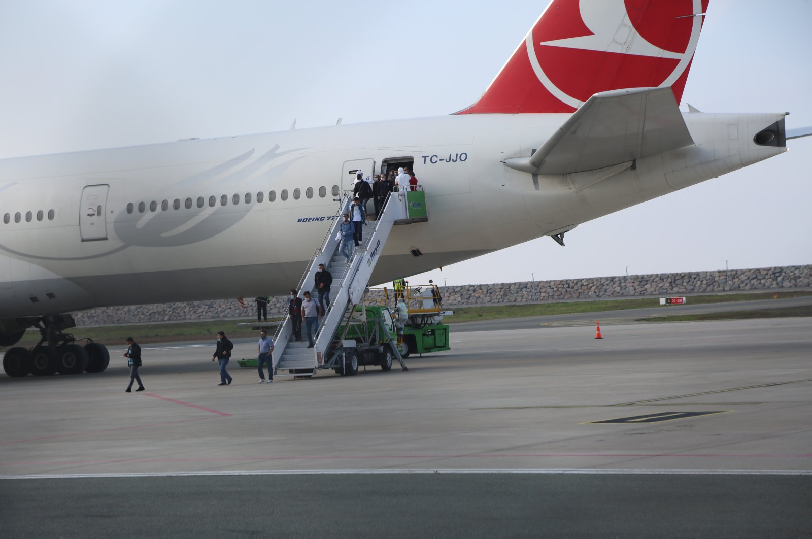 Turkey has begun repatriating its citizens working in Kuwait as laborers, amid the coronavirus pandemic, the country's deputy foreign minister said on Thursday. Some 301 laborers landed at the Ordu-Giresun Airport, Thursday, April 2, 2020 (AA Photo)