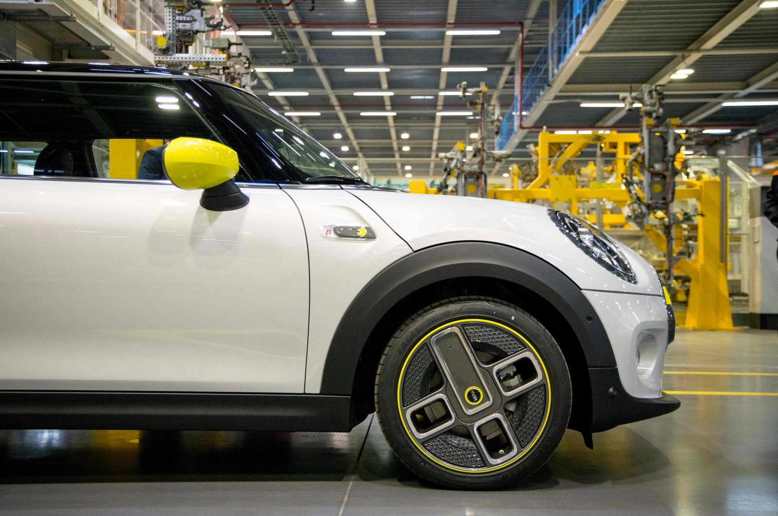 The new MINI electric car is unveiled at the BMW group plant in Cowley, near Oxford, July 9, 2019. (AFP Photo)