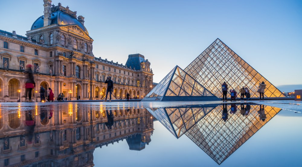 France's The Louvre is the world's largest museum.