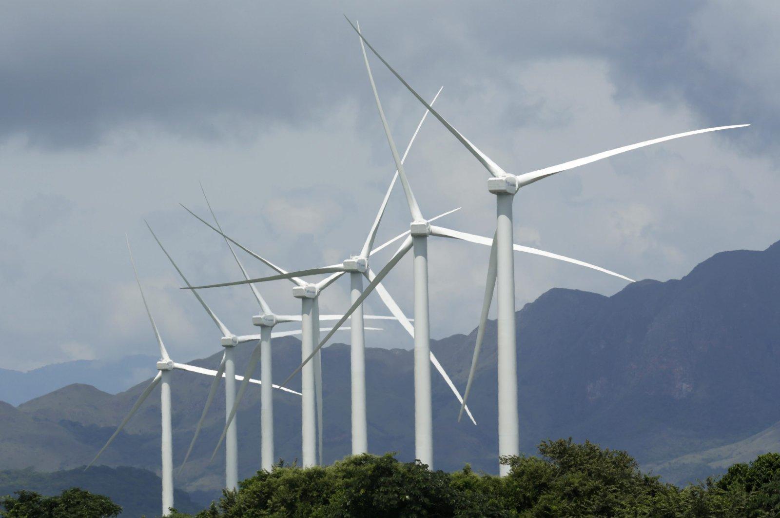Wind turbines in Penonome, Panama, Tuesday, Nov. 10, 2015. (AP Photo)