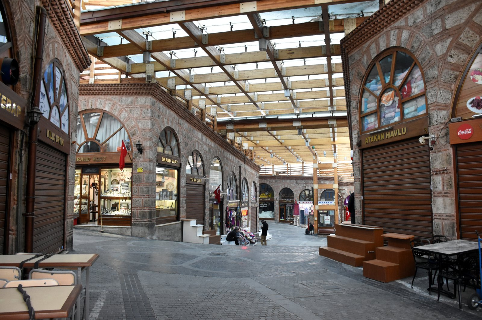 Grand Bazaar in Turkey's northwestern Bursa seen mostly deserted, with nearly all stores closed due to rising pandemic, April 6, 2020. (AA Photo)
