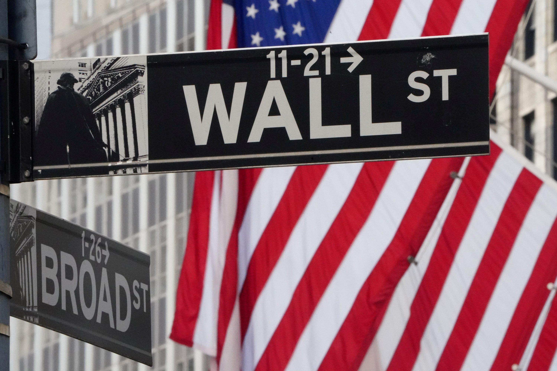 Stocks up 3.4% on Wall Street amid hopes for virus peak thumbnail