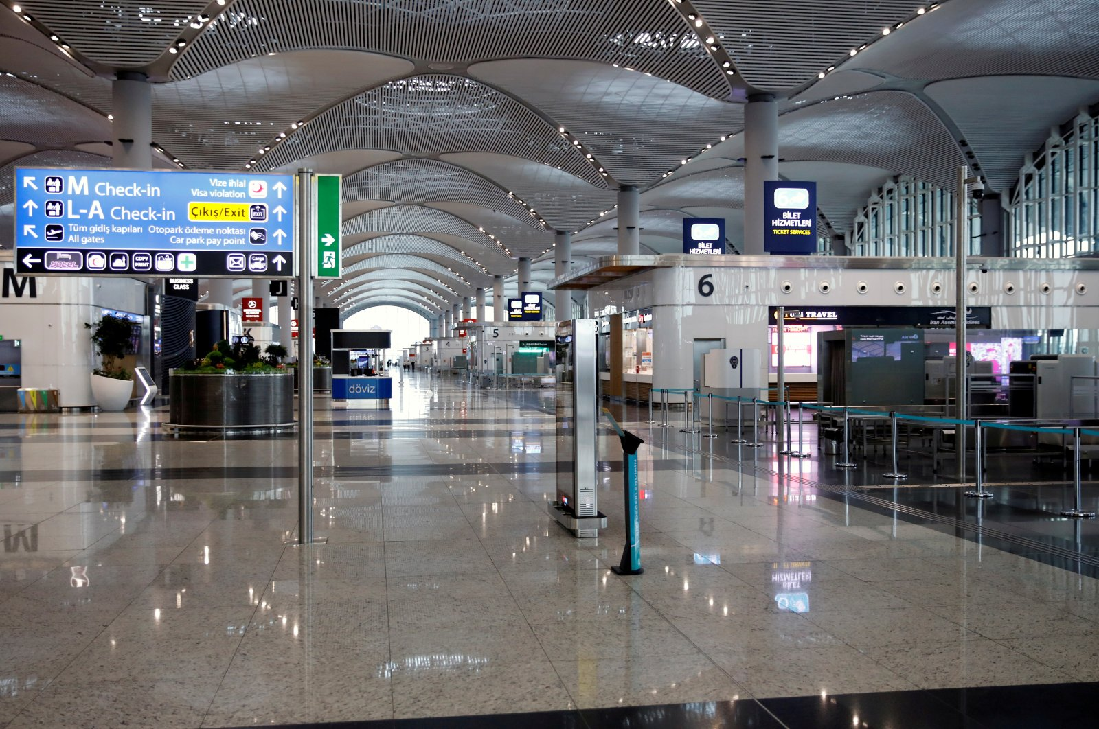 A general view of the nearly empty Istanbul Airport, during the outbreak of the novel coronavirus, Istanbul, Turkey, Sunday, March 29, 2020. (Reuters Photo)