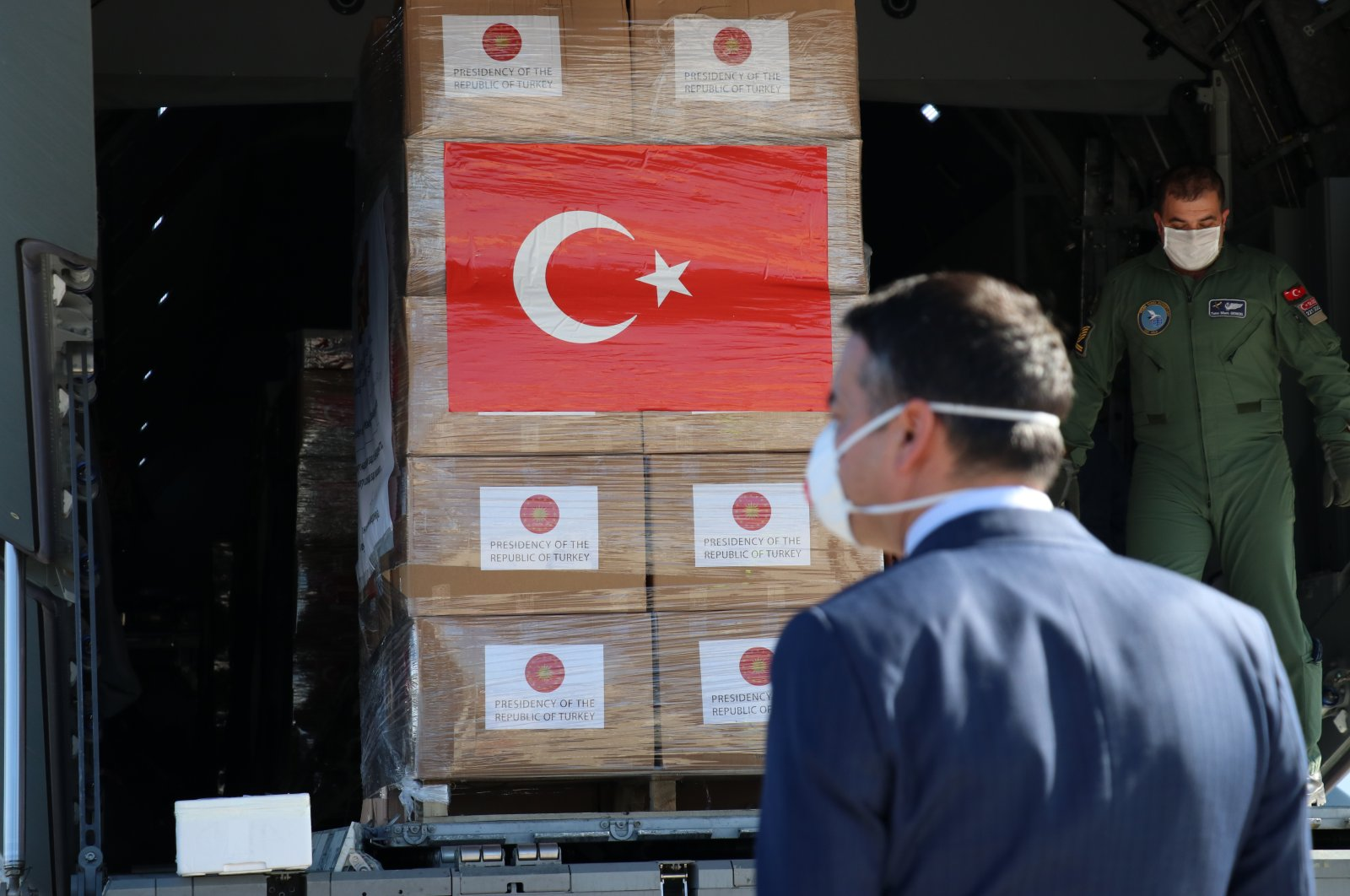 The medical aid sent by Turkey to North Macedonia unloaded from the cargo plane on Wednesday, April 8, 2020. (AA Photo)