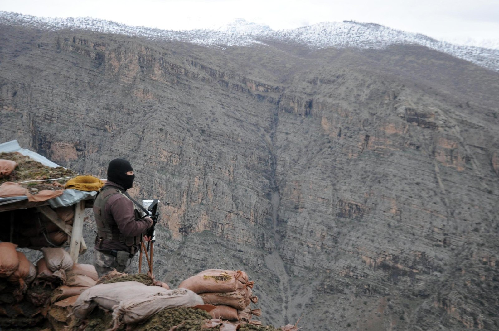 A Turkish soldier stands on guard in the Sancaktepe Base in Çukurca district, Hakkari province near the Iraqi border on Oct. 26, 2019 (Sabah File Photo)