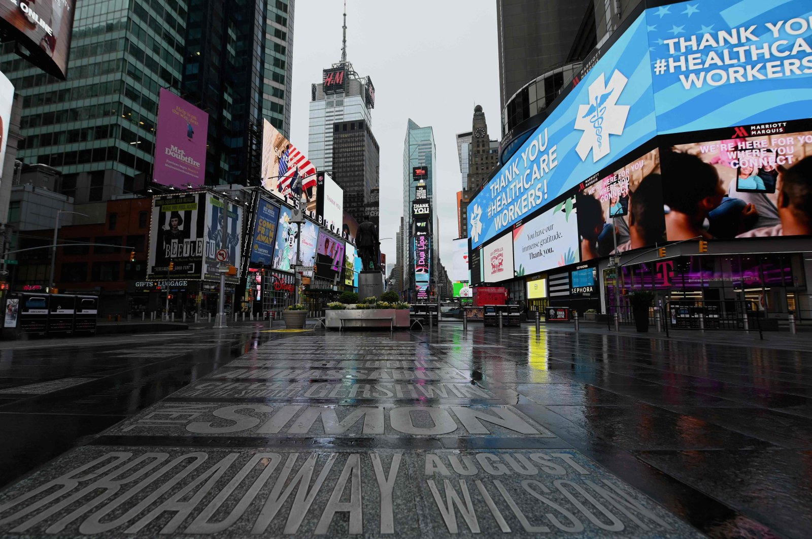 A view of a nearly empty Time Square on April 09, 2020 in New York City. (AFP Photo)