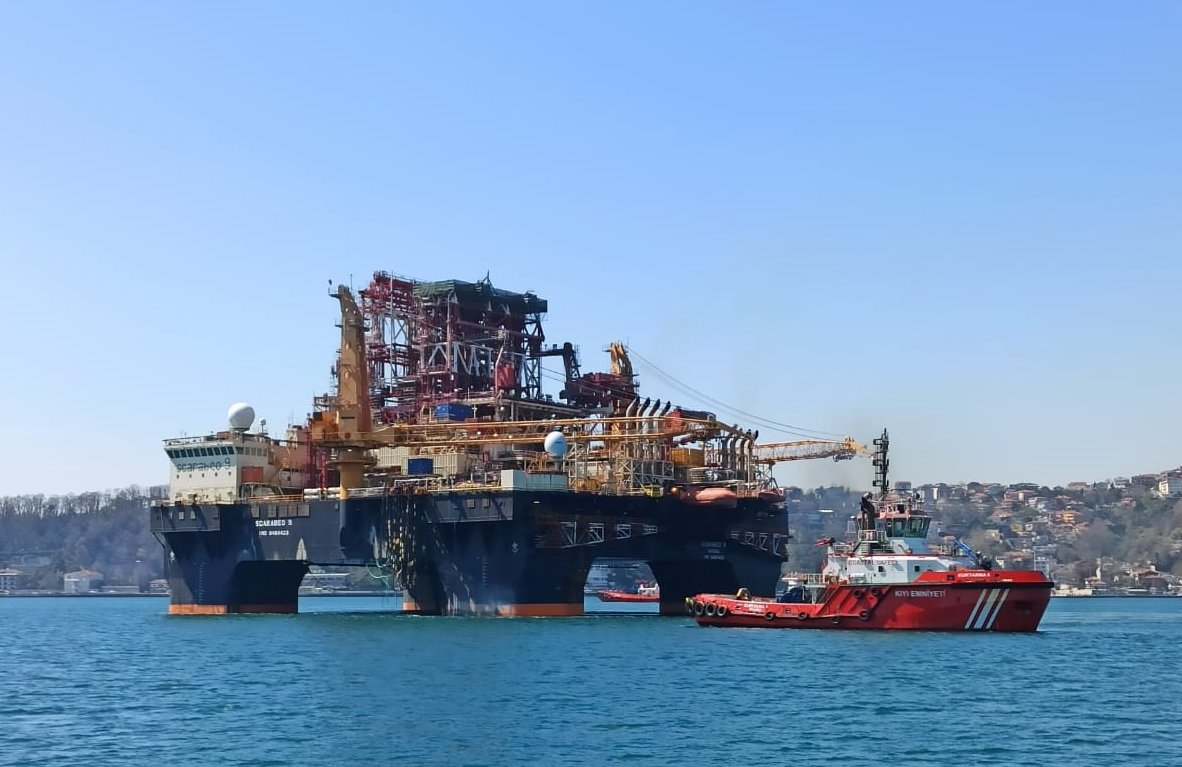 The ultra-deepwater semi-submersible offshore drilling rig has a gross tonnage of 36,863. (AA Photo)
