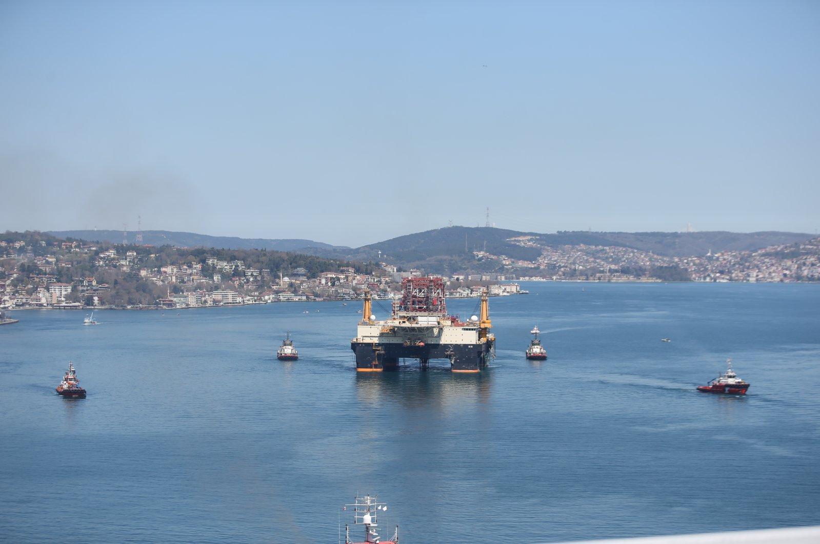 Bahamas-registered oil platform passes through the Bosporus, Istanbul, Turkey, April 13, 2020. (AA Photo).